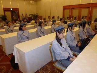 制服で研修.JPG